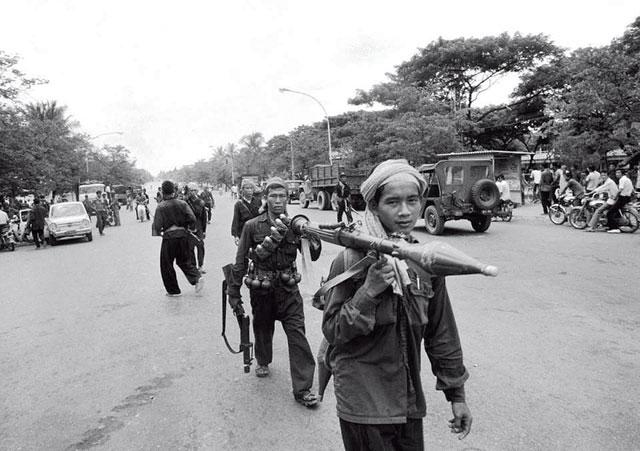 Phnom Penh, 1975, Roland Neveu