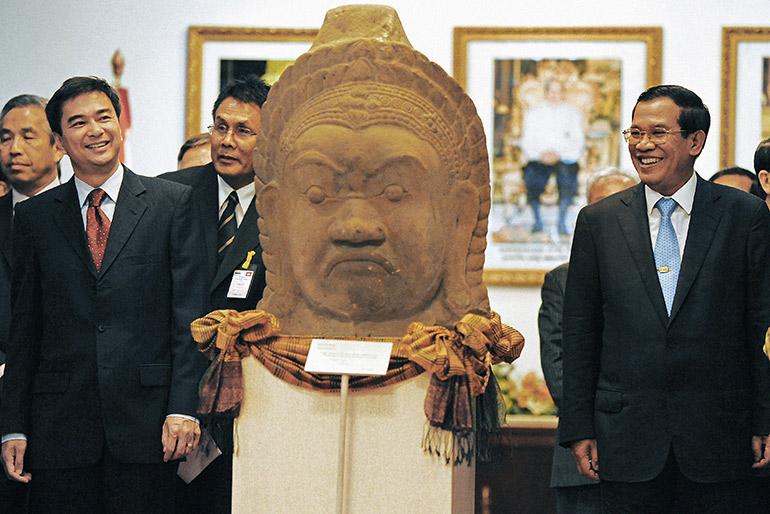 Abhisit Vejjajiva and Hun Sen