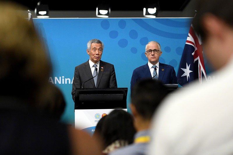 Singapore Prime Minister Lee Hsien Loong (L) and Australian Prime Minister Malcolm Turnbull (R) attend a joint press conference at the close of the ASEAN-Australia Special Summit, in Sydney, New South Wales, Australia, 18 March 2018. EPA-E