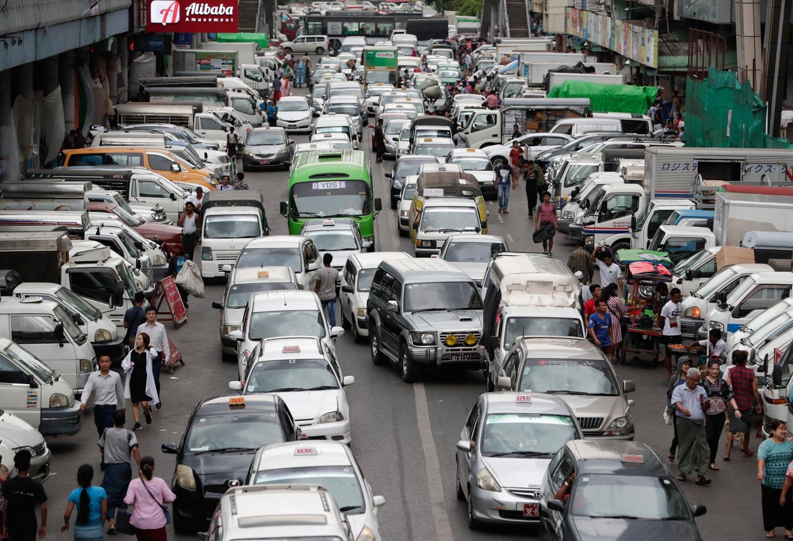 Traffic jam in downtown Yangon, May 2019. Photo: EPA/Lynn Bo Bo