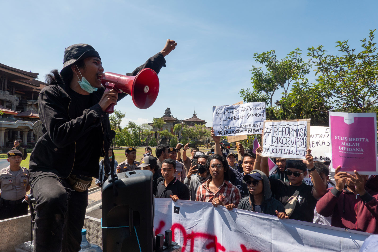 Indonesian students protesting in Denpasar, Bali, Indonesia on 24 September 2019. Photo: EPA-EFE/Made Nagi