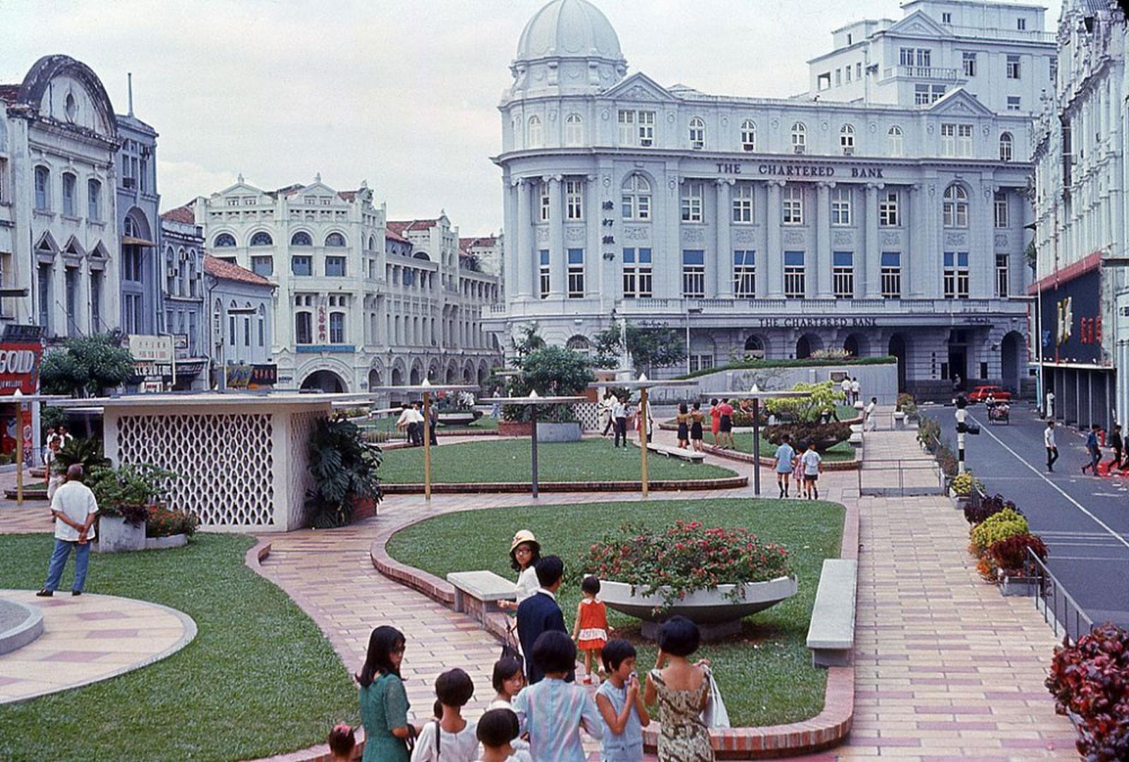 [Photos] Travel through time to street scenes in 1960s Singapore