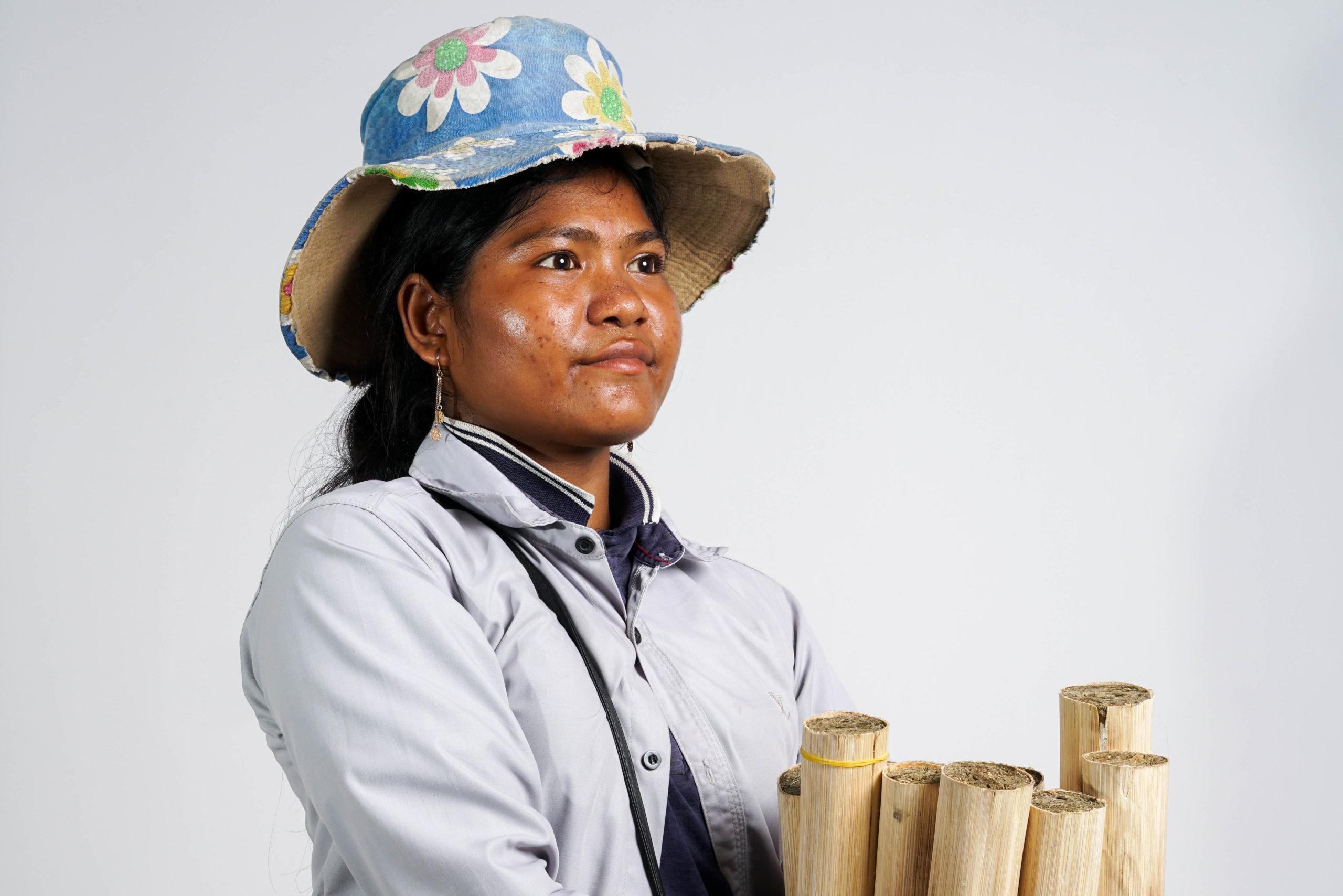 Irving Penh: Portraits of Phnom Penh's riverside sellers
