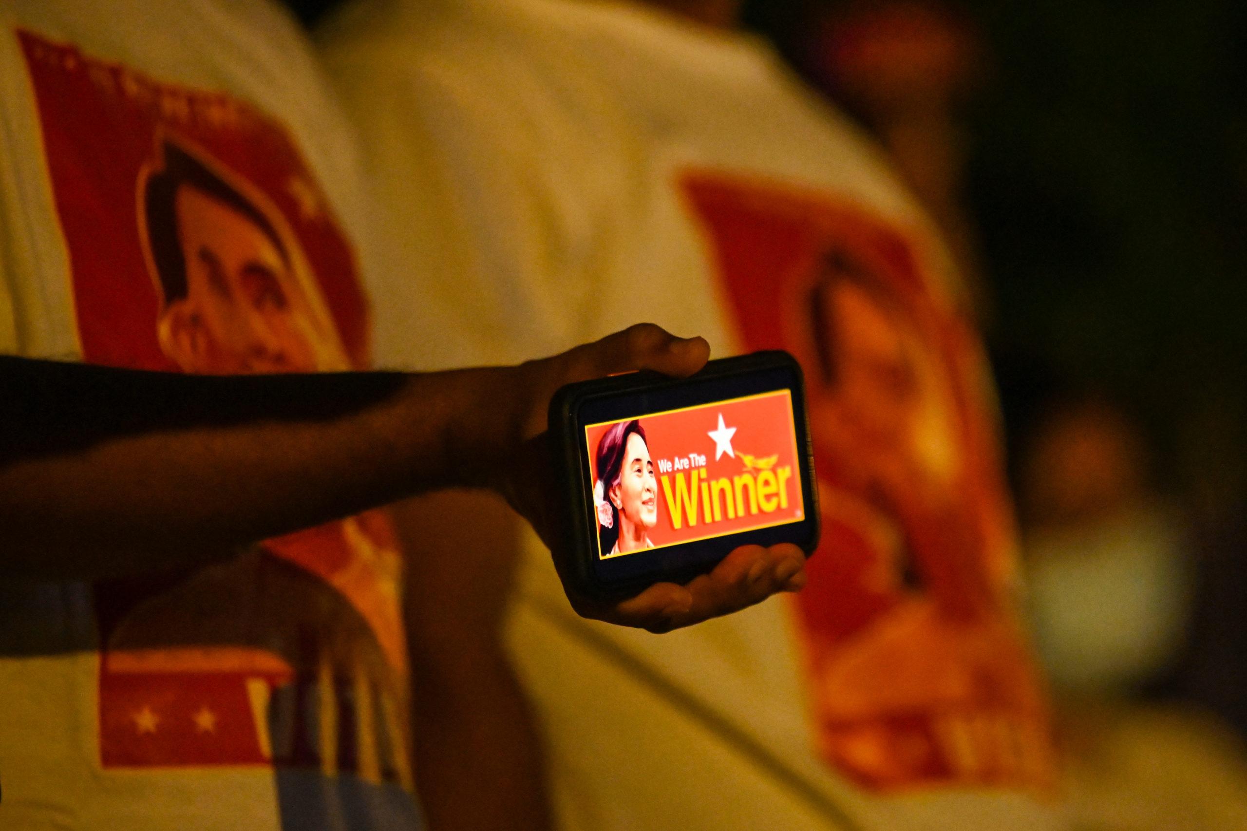 Suu Kyi's party says it won landslide victory in Myanmar polls